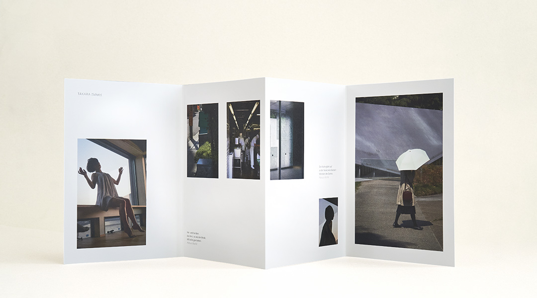 booth design unit, michaela booth, grafikdesign berlin, kunstbuch, fotobuch, leporello, flyer, broschüre, signet