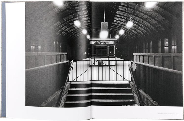 Grafikdesign-Berlin-Booth-Design-Unit-Kunstbuch-Kunstkatalog-Ausstellungskatalog-Fotobuch